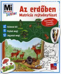 Az erdőben - Matricás rejtvényfüzet