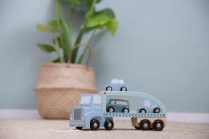 little-dutch-fa-jatek-kamion-adventure-kek3.jpg